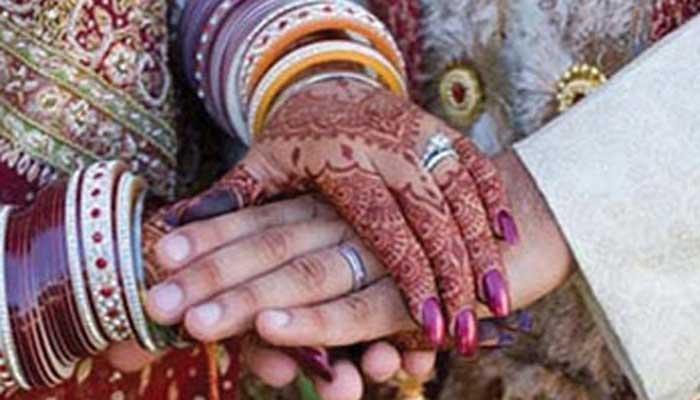 अवैध संबंधों का राज खुला तो पति ने धूमधाम से की पत्नी और प्रेमी की  शादी