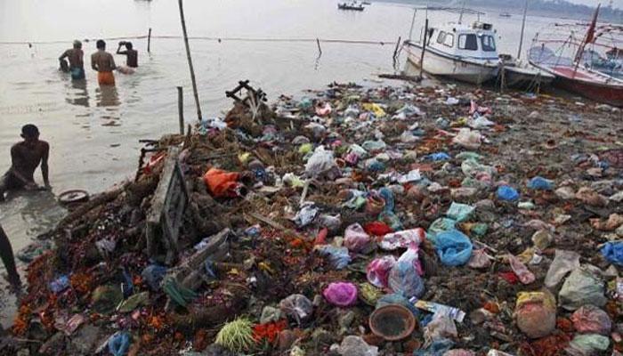गायत्री परिवार ने उठाया कांवड़ियों का कचरा साफ करने का जिम्मा