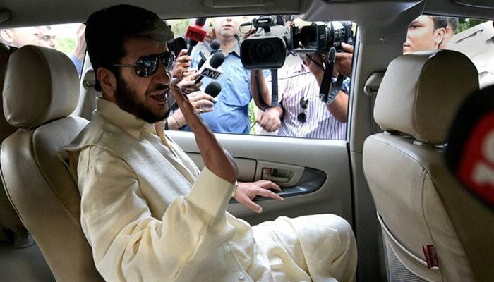 दिल्ली पहुंचते ही हिरासत में कश्मीरी अलगाववादी नेता शब्बीर शाह