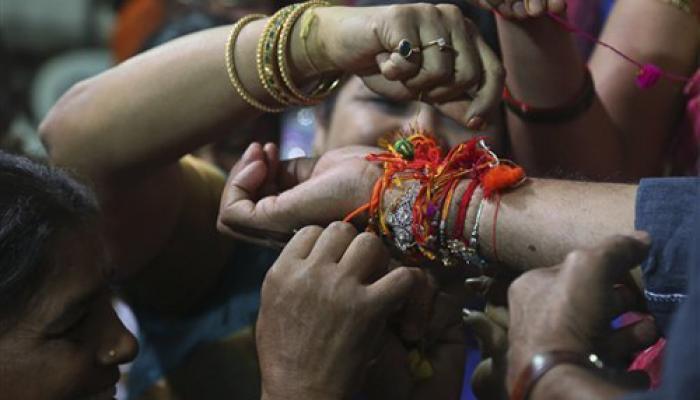पूरे देश में उत्साह के साथ मनाया गया रक्षाबंधन का त्यौहार