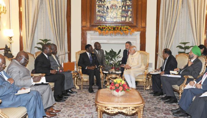 पीएम नरेंद्र मोदी ने अफ्रीका के 19 देशों के राष्ट्र प्रमुखों से की द्विपक्षीय वार्ता