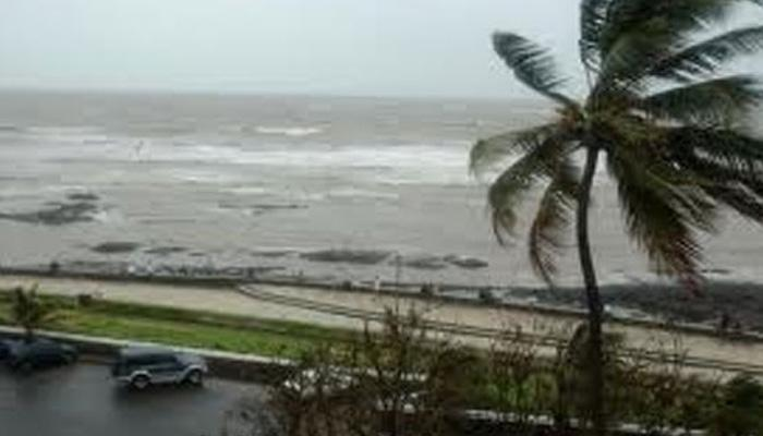 चेन्नई में चक्रवाती तूफान का खतरा, तमिलनाडु और पांडिचेरी के समुद्री तट पर हाई अलर्ट