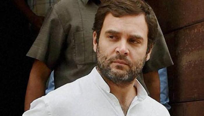 'कांग्रेसी कार्यकर्ता चाहते हैं राहुल गांधी संभालें पार्टी की कमान'