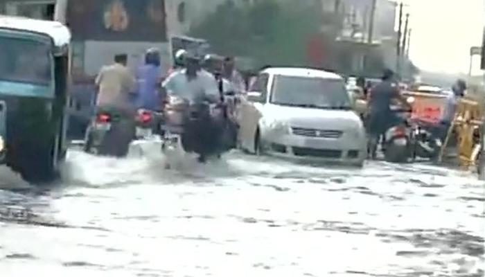चेन्नई में भारी बारिश से परेशानी बढ़ी, अस्पतालों और कई अहम इमारतों में घुसा पानी