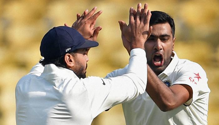 नागपुर टेस्ट: विकेटों की 'रिकार्ड' पतझड के बीच अश्विन और जडेजा की बदौलत तीसरा टेस्ट भारत की गिरफ्त में