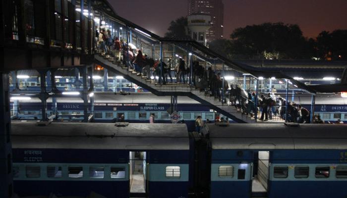 यात्रियों के लिए सुविधा: ट्रेन में 250 रुपये में बेडशीट,1 तकिया और कंबल मिलेगा