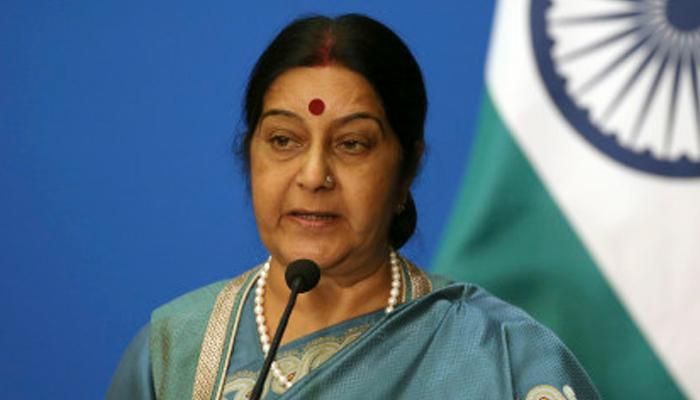 विदेश मंत्री सुषमा स्वराज ने पाक को चेताया; वार्ता और आतंकवाद एक साथ संभव नहीं, युद्ध कोई विकल्प नहीं
