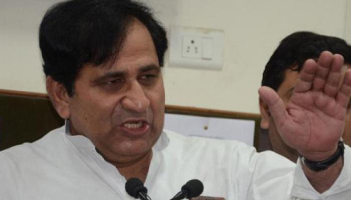 कांग्रेस नेता शकील अहमद ने पीएम मोदी के पाक दौरे पर फिर कसा तंज