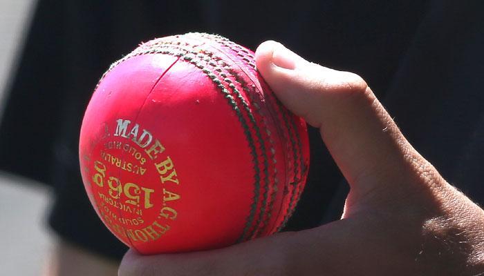 ऑस्ट्रेलिया को कड़ी टक्कर देने के लिए गुलाबी गेंद से खेलेगा पाकिस्तान