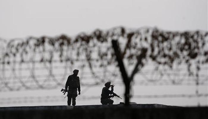 पठानकोट हमला: पाकिस्तान में 'कुछ संदिग्धों' की गिरफ्तारी, जांच में इंटरपोल की मदद लेगी मोदी सरकार
