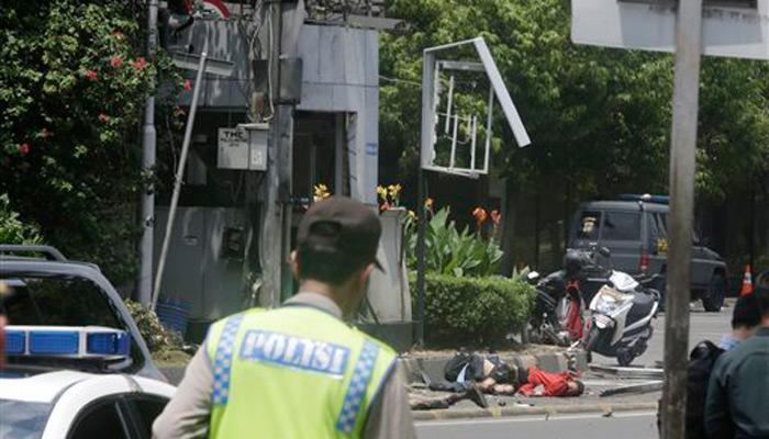 इंडोनेशिया में आतंकी हमला; सीरियल ब्लास्ट और गोलीबारी से दहला जकार्ता, 7 लोगों की मौत