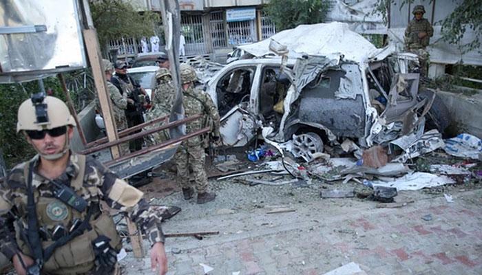 काबुल में आत्मघाती हमलावर ने टीवी चैनल की बस को निशाना बनाया, 7 लोगों की मौत
