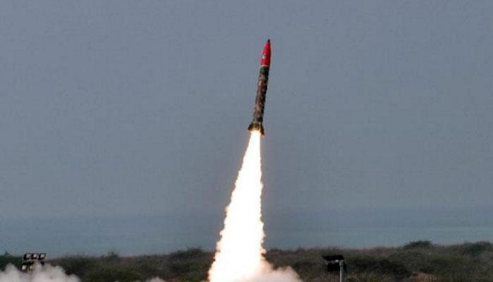 भारत को डराने के लिए पाकिस्तान ने तैनात कर रखे हैं 130 एटमी हथियार: अमेरिकी रिपोर्ट