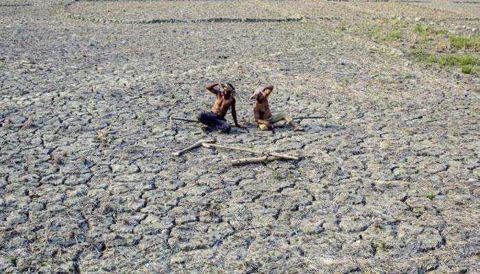 2015 में महाराष्ट्र में आत्महत्या करने वाले किसानों की संख्या 3,228