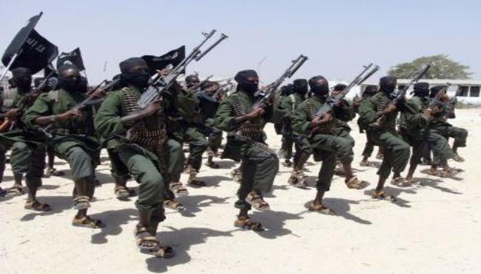 इस्लामी शबाब लड़ाकों ने सोमालिया के बंदरगाह पर कब्जा किया, शरिया कानून लगाया