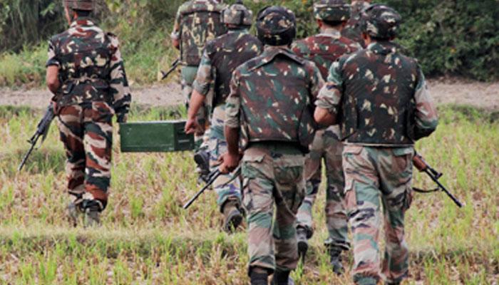 कश्मीर : सीआरपीएफ काफिले पर आतंकी हमले में 2 जवान शहीद, 1 नागरिक की मौत