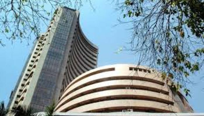 शेयर बाजार में गिरावट: रेलवे शेयर लुढ़के