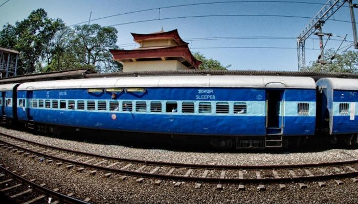 ट्रेनों में अकेले सफर कर रही महिला मुसाफिरों के लिए खुशखबरी