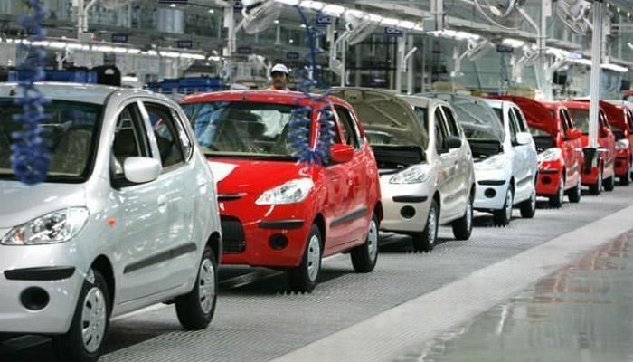 देश में कारों की बिक्री फरवरी में 4.21 फीसदी गिरी