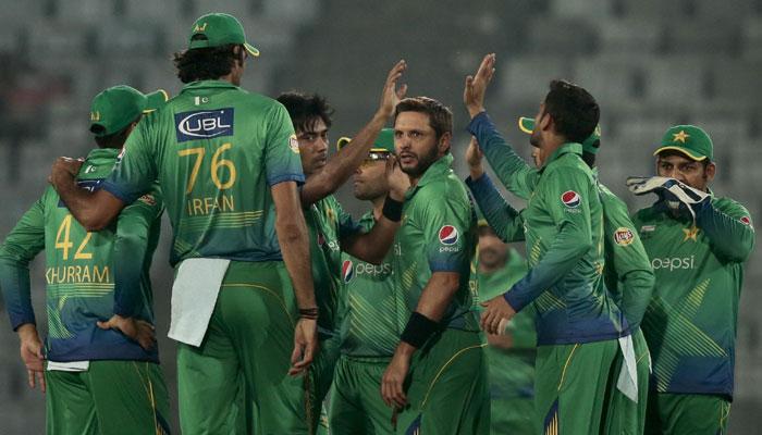 पाकिस्तान क्रिकेट टीम गुटबाजी और राजनीति का शिकार: पाक मंत्री