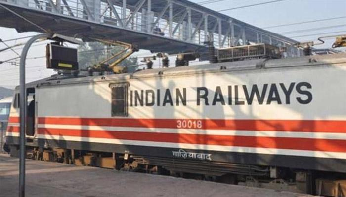 अब ट्रेन से कीजिए भारत दर्शन; एक दिन का किराया सिर्फ 830 रुपये, खाने और ठहरने की सुविधा शामिल
