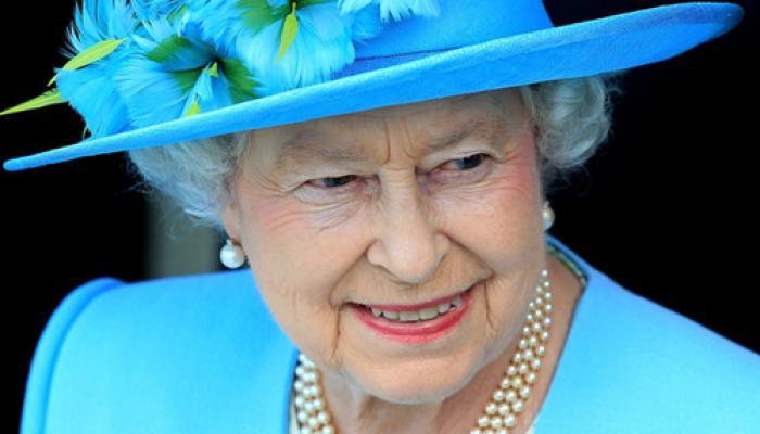 ..जब चीनी अधिकारियों को 'अशिष्ट' कहते हुए कैमरे में कैद हुईं ब्रिटेन की महारानी