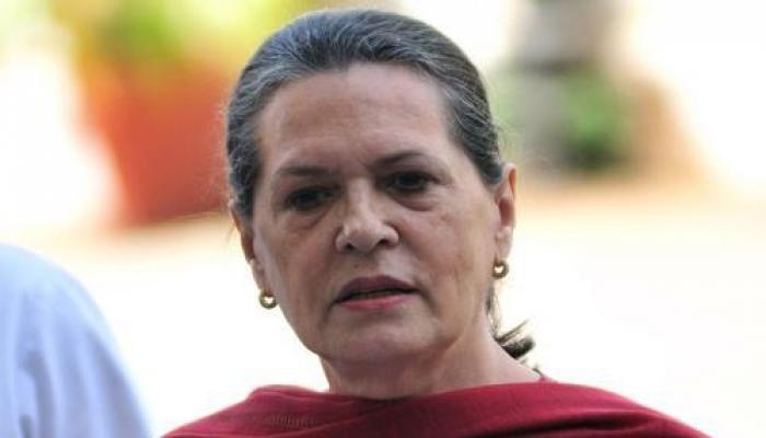 सोनिया गांधी को नोटिस, जवाब के लिए कांग्रेस ने मांगा और वक्त