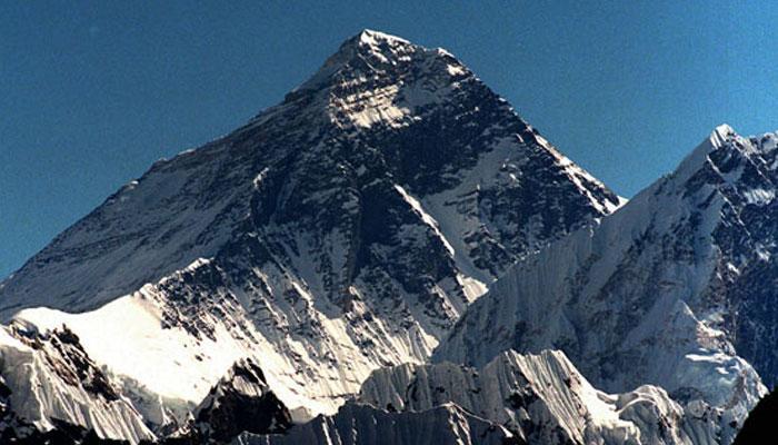 माउंट एवरेस्ट पर भारतीय पर्वतारोही की मौत, 2 और लापता