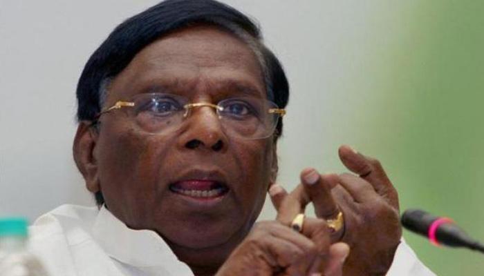 पुडुचेरी: CM नारायणसामी ने गृह और वित्त विभाग अपने पास रखा