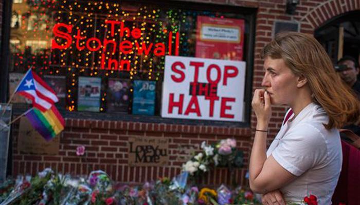 US ओरलैंडों गोलीबारी: 50 लोगों की मौत, अमेरिकी राष्ट्रपति ओबामा ने आतंकी और नफरत का कृत्य करार दिया