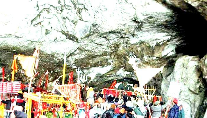 Record: एक दिन में 51 हजार से ज्यादा श्रद्धालुओं ने की माता वैष्णो देवी की पूजा