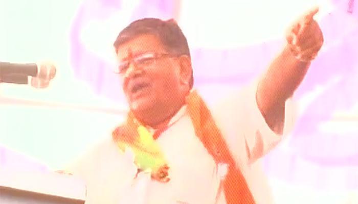 राजस्थान के मंत्री गुलाब चंद कटारिया ने पूर्व पीएम मनमोहन सिंह के लिए बोले अपशब्द, देखें वीडियो
