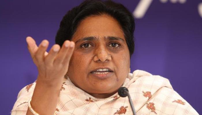 मायावती को एक और झटका, वरिष्ठ नेता आरके चौधरी ने भी छोड़ी BSP