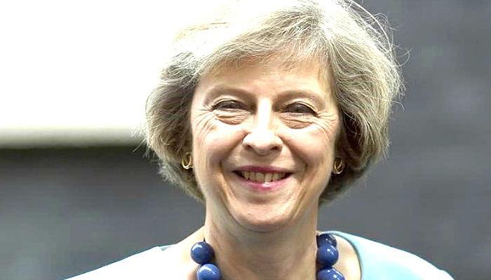 ब्रिटेन की गृहमंत्री थेरेसा मे ने कैमरन का स्थान लेने की कोशिश शुरू की