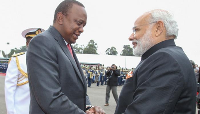 PM मोदी ने केन्या के राष्ट्रपति उहूरू केन्याता के साथ कई मसलों पर वार्ता की