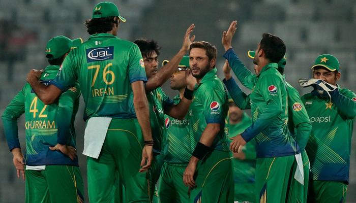 जानिए पाकिस्तान का सबसे अमीर क्रिकेटर कौन है? कितनी है उसकी कमाई?