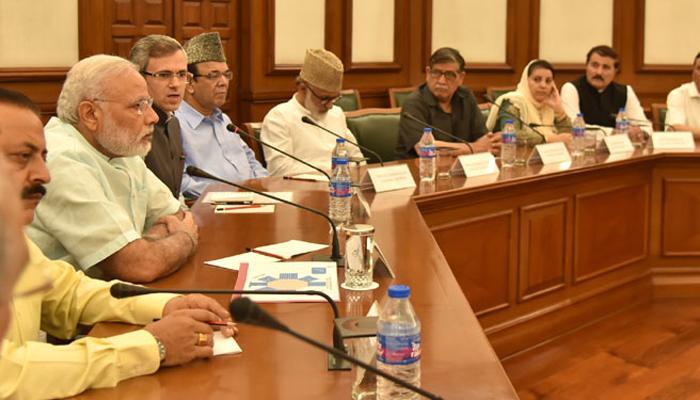 मोदी से मिला कश्मीरी नेताओं का शिष्टमंडल, PM ने कहा-संविधान के दायरे में हो कश्मीर की समस्याओं का स्थायी समाधान