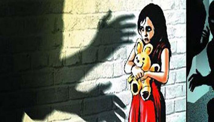 पड़ोसी ने नाबालिग से किया बलात्कार, आरोपी का दोस्त बाहर में पहरेदारी करता रहा