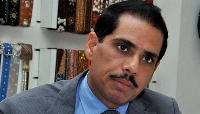 वाड्रा-डीएलएफ लैंड डील: कांग्रेस ने बदनाम करने की साजिश बताया, बीजेपी ने नकारा