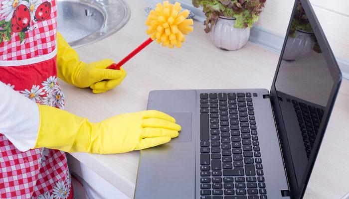 कैसे करें अपने लैपटॉप की सफाई? आसान टिप्स के लिए देखिए ये VIDEO