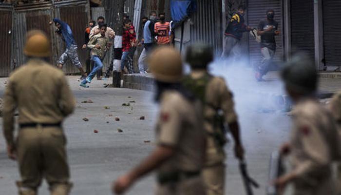 जम्मू-कश्मीर में इंटरनेट, मोबाइल सेवाएं पूरी तरह बंद