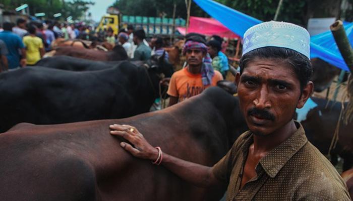 ढाका में खून से लाल हो गई सड़कें, क्या है वायरल होती इन तस्वीरें और वीडियो का सच!