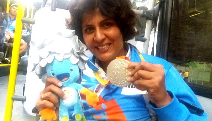 दीपा मलिक को चार करोड़ रूपये और सरकारी नौकरी:विज