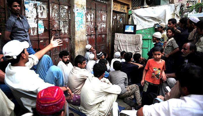 भारत पाकिस्तान तनाव के बीच पाकिस्तान में भारतीय टीवी चैनलों के प्रसारण पर लगी रोक!