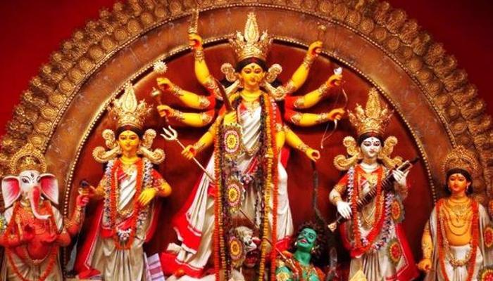 जानिये नवरात्र के 9 दिनों में किन-किन रंगों के कपड़ें पहनें, माता की बरसेगी कृपा