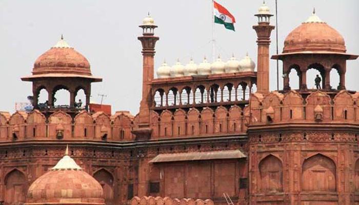 दिल्ली में लाल किले की 'किलाबंदी', NSG के 90 कमांडो तैनात