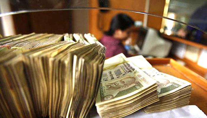विदेशी निवेशकों ने अक्तूबर में रिण बाजारों से 6,000 करोड़ रुपये निकाले