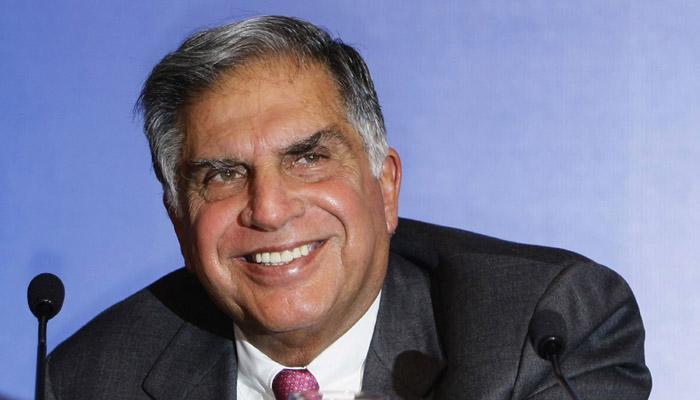 नेतृत्व में बदलाव की चिंता छोड़कर अपने कामकाज पर ध्यान केंद्रित करें अधिकारी: रतन टाटा