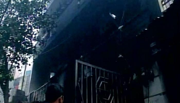 दिल्ली के शाहदरा में लगी भीषण आग, तीन लोगों की मौत, 10 झुलसे