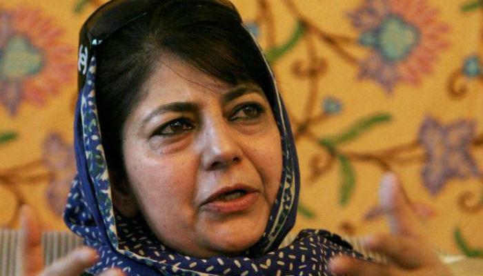 प्रदर्शनकारियों के खिलाफ मामलों की समीक्षा की जाएगी : महबूबा